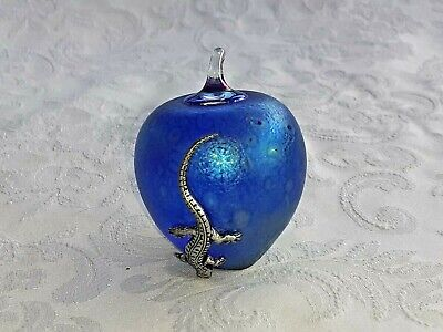 Heron Glass Blue Apple With Pewter Lizard - 7.5 Cm Tall - Maker's Label On Base • 18£