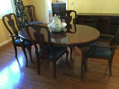 $750 • Buy Carleton Cherry By Drexel Dining Room Table And 6 Chairs Exceptional Value
