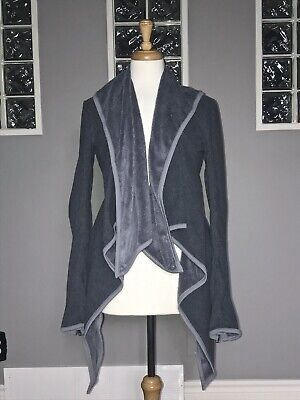 $ CDN70.40 • Buy Lululemon Presence Of Mind Wrap 6 Fossil Gray Fleece Jacket Euc Draped
