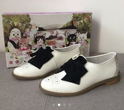 £36 • Buy F-Troupe White Brogue Shoes With Black Velvet Bow Detail - UK2 / EU35