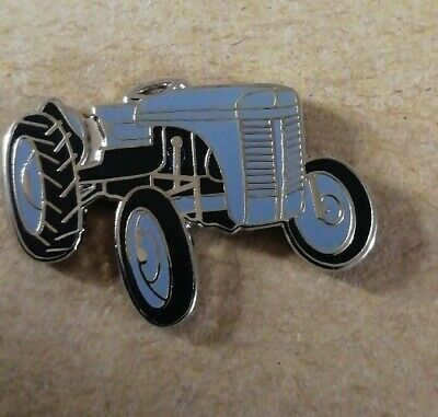 Grey Tractor Enamel Pin Badge - New • 3.29£