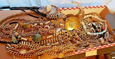 $ CDN211.39 • Buy Big Lot Of GOOD Quality Vintage Costume Jewelry 4 LB Box Lots Of Necklaces