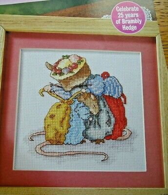 Brambly Hedge Lady Woodmouse + Primrose Cross Stitch Chart 2005 • 6.99£
