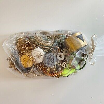 $ CDN15.99 • Buy Vintage And Modern Mixed Jewelry Lot 2.87lbs Some Wearable / Craft Unsorted Bag