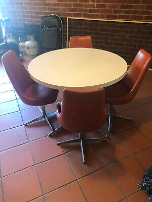 AU550 • Buy Retro Table And Chair Set (70s)