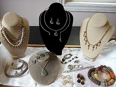 $ CDN125 • Buy Unique Mixed Vintage Lot Of 20 Vintage Pcs - Wood - Rhinestone - Silver - Signed