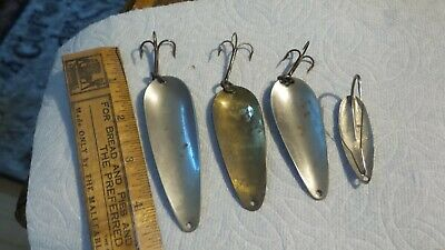 $ CDN10.45 • Buy 4 Vintage Fishing Spoons, Assorted, Black & White, Hammered Gold, Silver