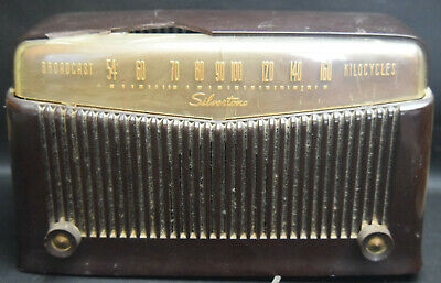 $ CDN44.40 • Buy Silvertone Radio Model # 9006 - Brown Bakelite W/Large Chip - WORKS