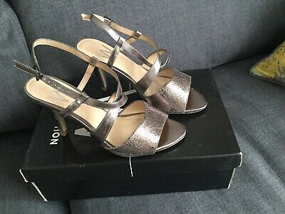 Wallis Collection Gorgeous Pewter Heels Shoes  Size 4 • 12£