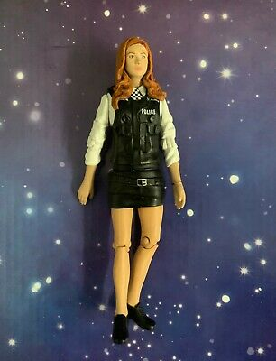Doctor Who Amy Pond Policewoman Figure - Very Good Condition • 6.50£