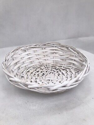 Woven Wicker Basket White Gift Fruit Easter  Eggs Perfect Condition • 5.99£