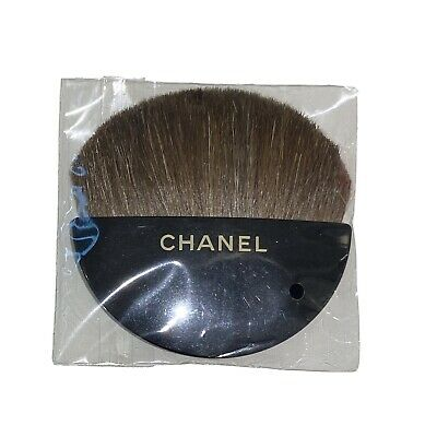 Chanel Mini Travel Powder/ Blush Brush - Brand New • 4.75£