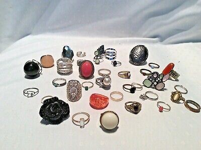 Large Job Lot Costume Jewellery Rings • 2.40£