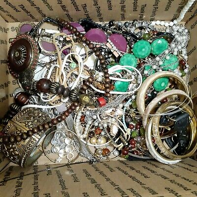 $ CDN79.09 • Buy 12lb+ Estate Vintage To Modern Jewelry Lot Wear Resell Lots Of Goodies!