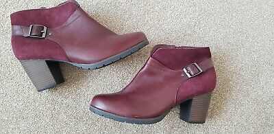 Clarks Burgundy Leather / Suede Ankle Boots Size 8 Wide Fit - NEW • 20£