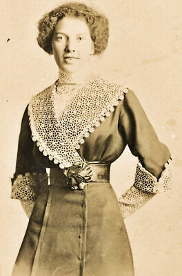 C1920 Photo Of Woman In Amazing Dress With Lace Collar And Cuffs • 9.75£