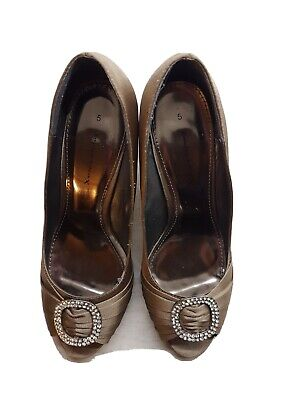 BEAUTIFUL EVENING SHOES TAUPE COLOUR  Size 5 Worn Once Pretty Diamante Detail • 12£