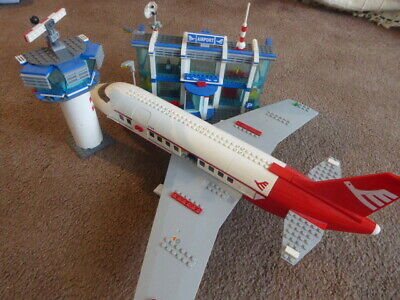 LEGO City Set 3182 Big Airport Airplane Aeroplane And Buildings Coning Tower • 50£