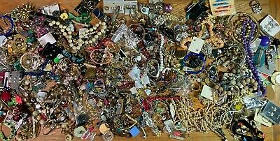$ CDN55.22 • Buy Estate Costume Jewelry Lot 12.5 Lbs NECKLACES BRACELETS PINS WEARABLE Vintage