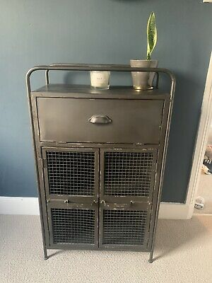 Industrial Metal Cabinet • 14.10£