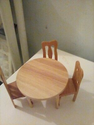 Dolls House Dining Table And Chairs • 3£