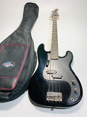 $ CDN250.64 • Buy Silvertone SSLB-11/BK Bass Guitar & Soft Carry Case - Ships Free