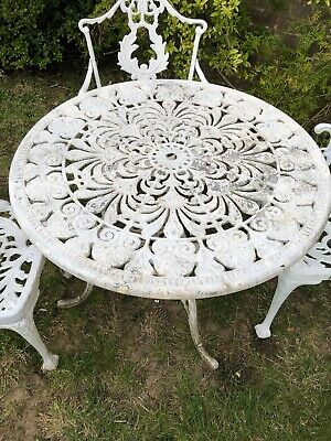 Unusual Vintage Cast Aluminium Garden Table And Chairs • 275£