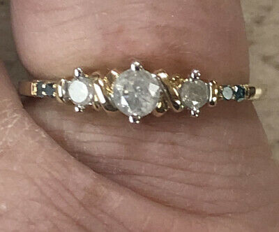 9ct Yellow Gold Trilogy Diamond Ring 2 Tiny Stones Each Side Not Scrap • 75£