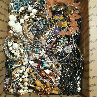 $ CDN67.47 • Buy 12lb+ Estate Vintage To Modern Jewelry Lot Wear Resell Lots Of Goodies!