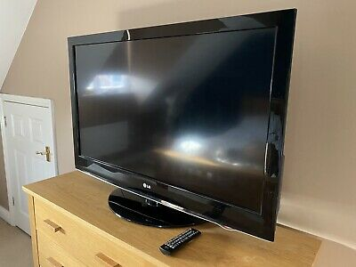 "LG 42LH3000 42"" LCD TV 1080p With Freeview  • 75£"