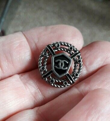Chanel Buttons 1.9cm X 6 • 20£