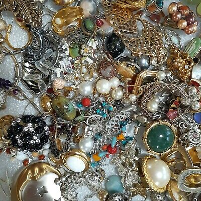$ CDN4.22 • Buy 2lbs Vintage To Now Gold Silver Single Earring Jewelry Lot Craft Repurpose Art
