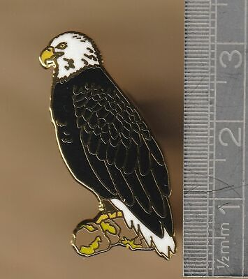 Bald Eagle -  Bird Pin Badge • 10£