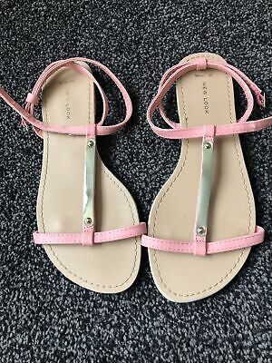 Pair Of Peach New Look Strappy Flat Sandals 9/43 Wide • 1£
