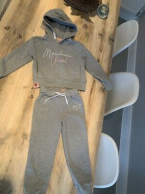 Manchester United - 'Genuine' Girl Tracksuit Age 4-5 Grey / Pink • 15£