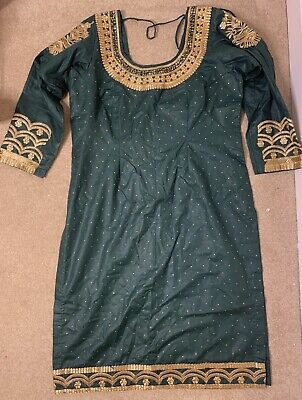 £20 • Buy Green And Gold Punjabi Suit Size 8-10