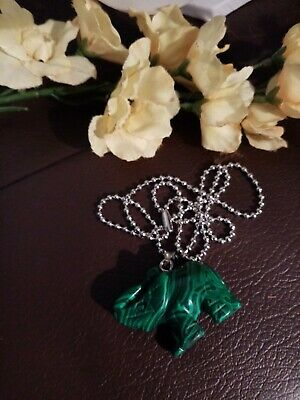 Natural Green Malachite Elephant Necklace • 6.50£
