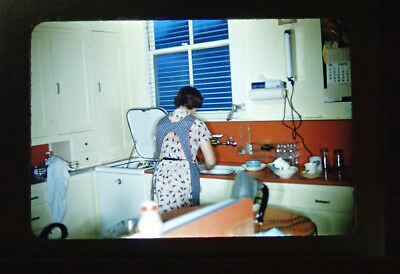 Vintage 1950s Kodachrome Slide, Housewife In Kitchent 50's Appliances Decor • 9.42£