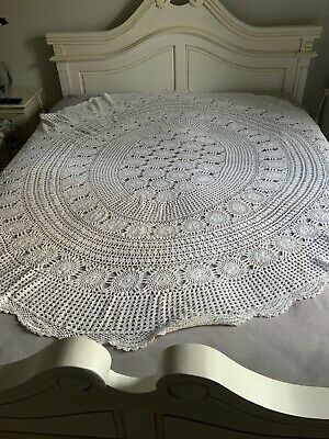 LARGE FRENCH MARKET VINTAGE ROUND HAND CROTCHED TABLECLOTH 204cm • 25£