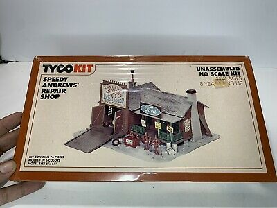 $ CDN22.10 • Buy B2 TYCO HO Scale Model Trains Train Building Kit Speedy Andrew's Repair Shop Ex