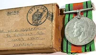 Ww2 British Defence Medal With Original Box : Mr W.a.barker With Compliment Slip • 11.40£