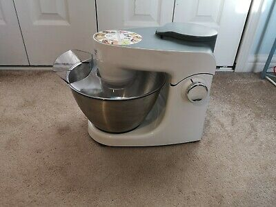 Kenwood Stand Mixer White. 10 Functions. Slightly Used. • 100£