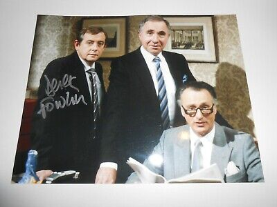 Derek Fowlds Yes Minister Signed 8x10 Photo Autograph Star Of Heartbeat • 9.99£