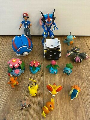 Pokemon Action Figures And Pokeball Bundle • 25£