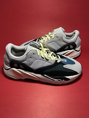 $ CDN750 • Buy Yeezy 700 Wave Runner Size 9