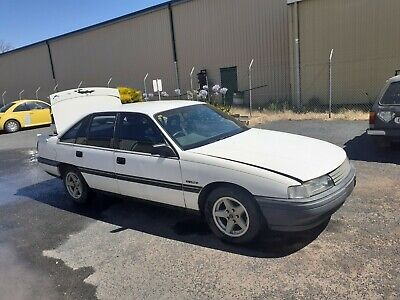 AU12000 • Buy Vn Commodore Factory 5 Ltre 5 Speed Swap/trade