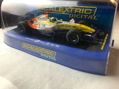 Hornby Scalextric Digital Renault F1 2007 No 3 1:32  C2780 • 25£