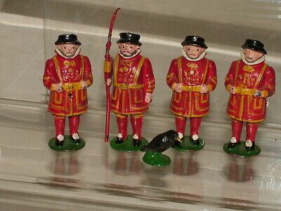 Johillco Vintage Military Toy Soldiers Beefeaters & Tower Raven + Halberd 175 &a • 5£