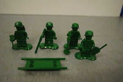 Lego Toy Story 7595 : Soldiers Army Medic Mini Figures  • 15£