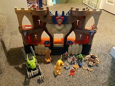 Imaginext Castle Lions Den With Extra Accessories  • 7.99£